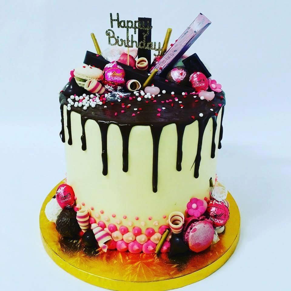 Brigittas Cakes: Chocolate cake with rich fruit topping